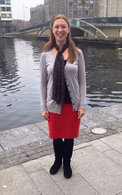Day 25: Grand Canal Lunch: Black layering tank, grey cardigan, & red pencil skirt